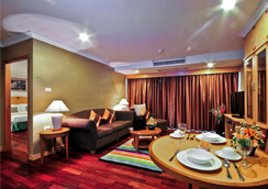 Admiral Suites Bangkok Serviced Apartment Hotel in Sukhumvit 22 Near to Phrom Pong BTS, Emquatier & Emporium Shopping Mall, School Holiday Promotion, Stay 3 Pay 2